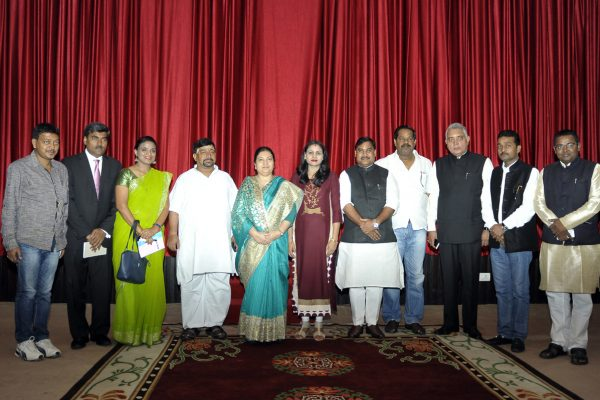 team-of-indian-journalist-at-sital-niwas
