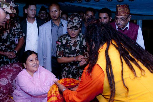 puja-at-pashupati-temple-kathmandu